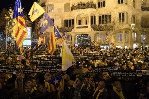 Protests outside Gaudi's La Pedrera