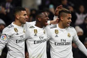 Real Madrid close gap